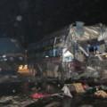 Tin tức - Xe giường nằm tông container, nhiều người thương vong