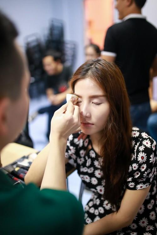 Danh hài Chí Tài choàng vai mẹ Diễm My 9X-1