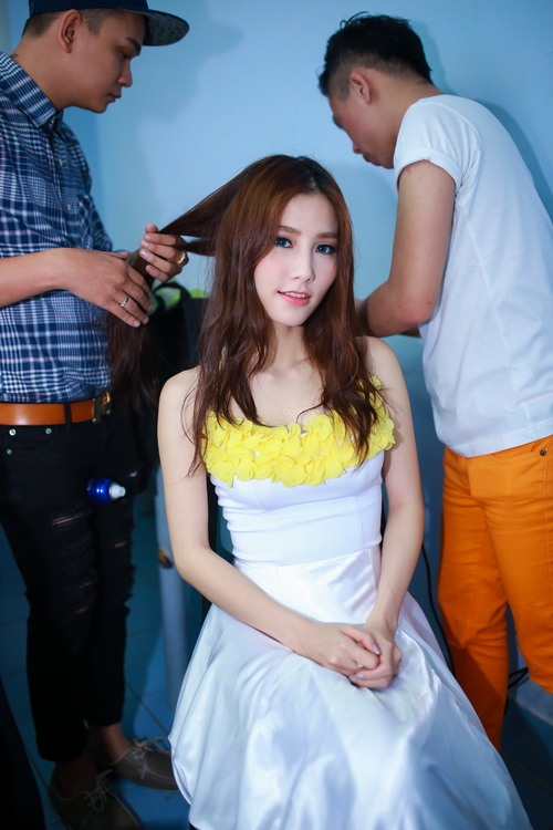 Danh hài Chí Tài choàng vai mẹ Diễm My 9X-5