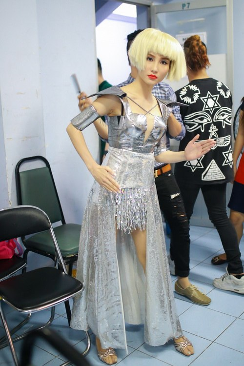 Danh hài Chí Tài choàng vai mẹ Diễm My 9X-10
