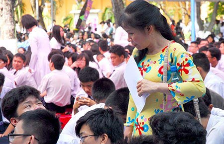 "thay khong giu le, kho day tro phai ""ton su"" - 1"