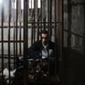 Tin tức - Giải cứu người đàn ông bị nhốt trong cũi 8 năm