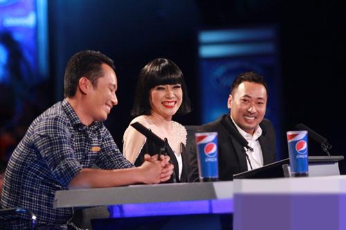 """bgk vietnam idol 2013 """"uu ai"""" nhat thuy - 1"""