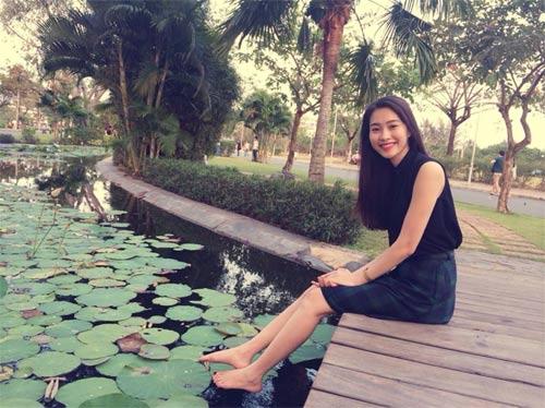 ly hung massage cho hoa hau diem huong - 4