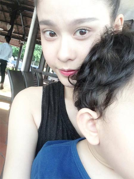ly hung massage cho hoa hau diem huong - 6