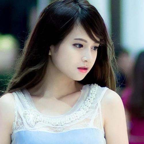 Cô gái Việt có khuôn mặt búp bê-1