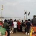 Tin tức - Xác người mắc vào lưới đánh cá giữa biển