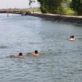 Tin tức - Đau lòng 2 em học sinh tắm sông bị chết đuối