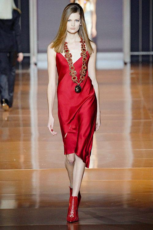 tuyẻn tạp váy sexy ''hun nóng'' thành milan - 16