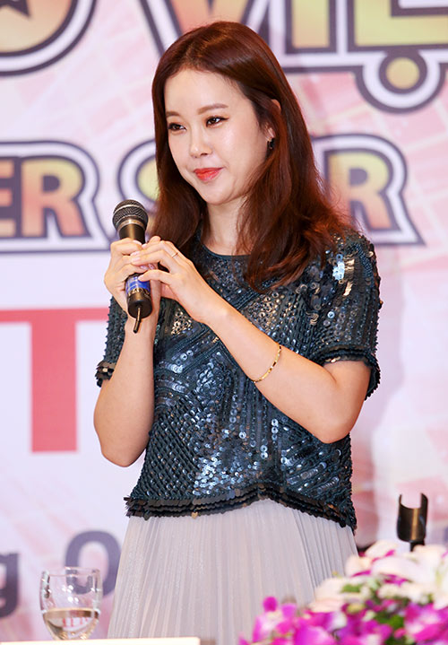 fan ha noi soc vi baek ji young lech cam - 8