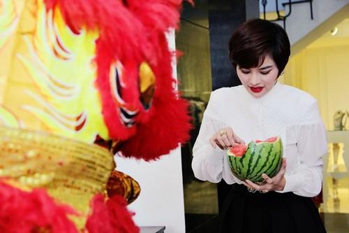 vu thu phuong hanh phuc ben chong con - 13