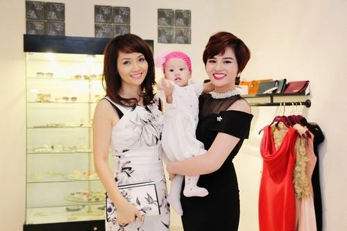 vu thu phuong hanh phuc ben chong con - 6
