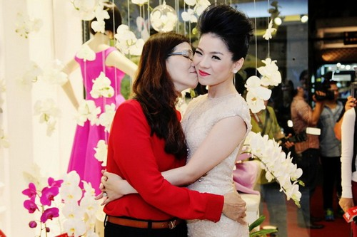 vu thu phuong hanh phuc ben chong con - 9