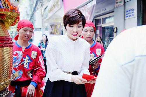 vu thu phuong hanh phuc ben chong con - 14