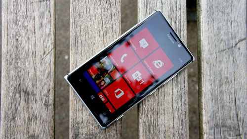 4 smartphone chinh hang tam gia 10 trieu dong dang mua - 2