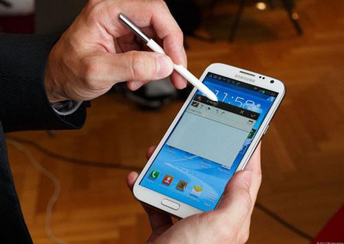 4 smartphone chinh hang tam gia 10 trieu dong dang mua - 4