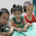 Trẻ mầm non học ngoại ngữ: Sao phải cấm?
