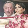 Làng sao - Tỷ phú chi 500 nghìn đô để hẹn hò với Kim