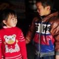 Tin tức - 2 đứa trẻ bơ vơ trong GĐ có 9 người rơi xuống suối