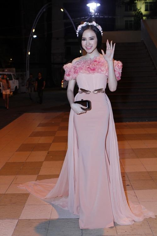angela phuong trinh long lay nhu cong chua - 2