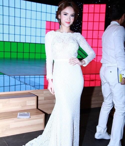 angela phuong trinh long lay nhu cong chua - 12