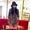 Làng sao - Diễm Hương bịt kín mít xuất hiện ở trung tâm Sài Gòn