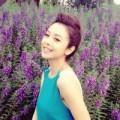 Làng sao - Jennifer Phạm rạng rỡ giữa vườn hoa