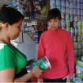 Mua sắm - Giá cả - Giá sữa nhảy loạn xạ