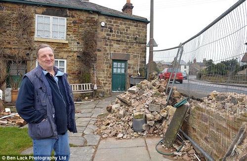 Ngôi nhà 'xui xẻo' bị đâm 40 lần trong vòng 14 năm-7