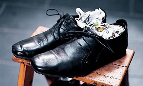 4 mẹo giúp giày chật 'hóa' vừa - 1
