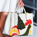 Thời trang - Chọn túi hiệu hợp gout chị em công sở