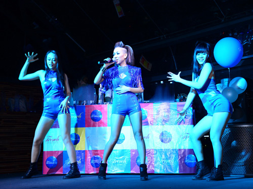 Thảo Trang sexy khoe đường cong trên sân khấu-6