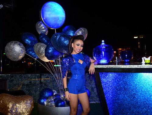 Thảo Trang sexy khoe đường cong trên sân khấu-2