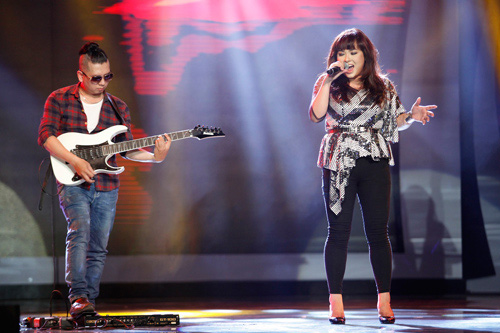 "vn idol: nhat thuy tro thanh ""con ac mong"" - 6"