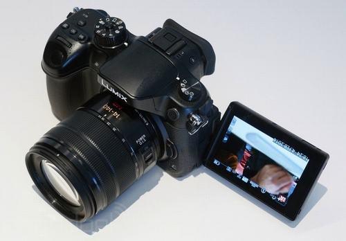 mirrorless quay phim 4k cua panasonic gia 1700 usd - 2