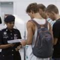 Tin tức - Hai kẻ dùng hộ chiếu giả có 'khuôn mặt châu Á'
