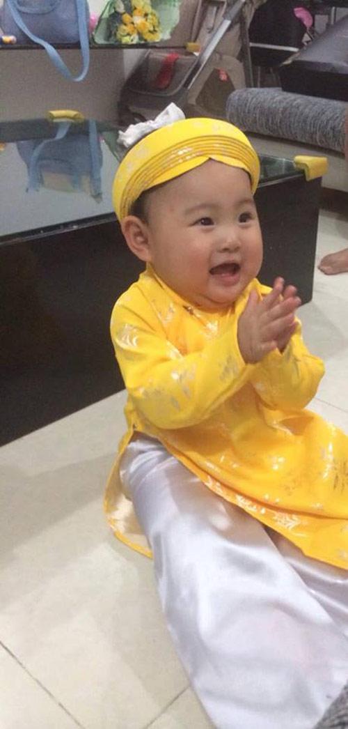 hh huong giang khoe con gai sap tron 1 tuoi - 2