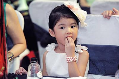 Con gái Trương Ngọc Ánh cover hit Lương bích Hữu-4