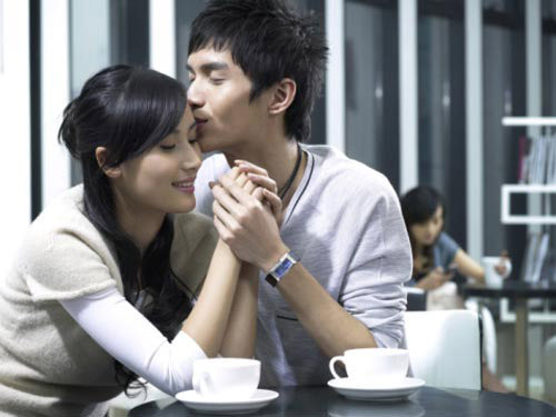 co thuong em thi anh ve voi me con em! - 2
