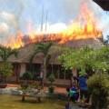 Tin tức - Cháy lớn ở nhà hàng làm bằng mái lá