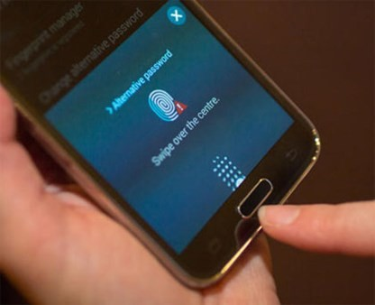 lua chon smartphone mo khoa bang van tay - 4