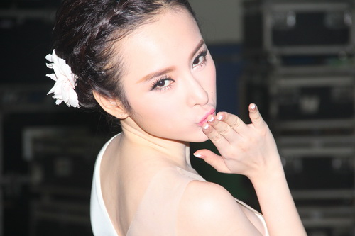 "angela phuong trinh: ""se tham gia bnhv 2015"" - 8"