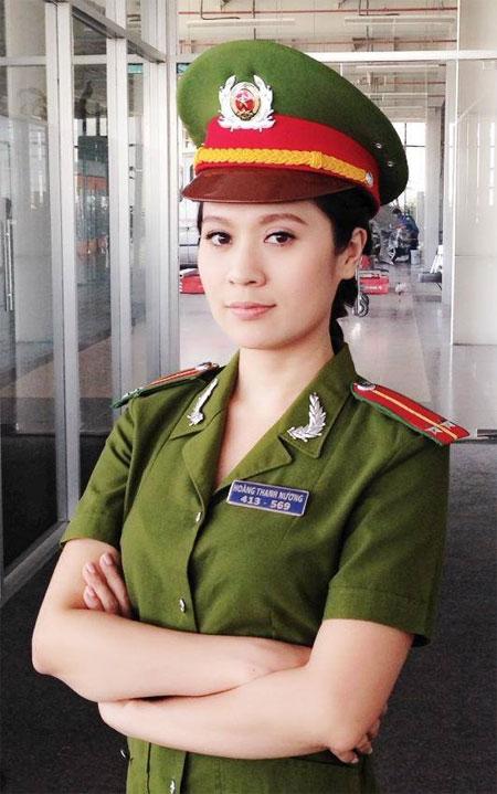 diem my vat tay voi ngan khanh tren san khau - 8