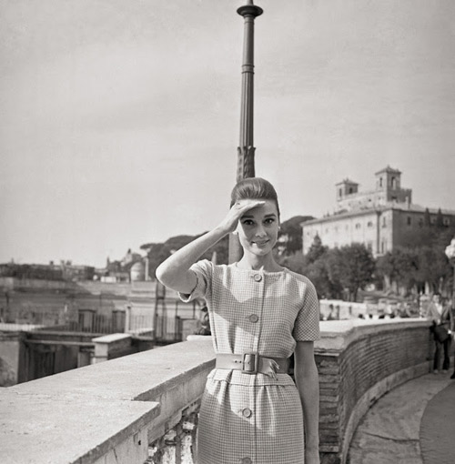 loat anh street style quy gia cua audrey hepburn - 1