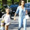 Con gái Jessica Alba xinh đẹp y chang mẹ
