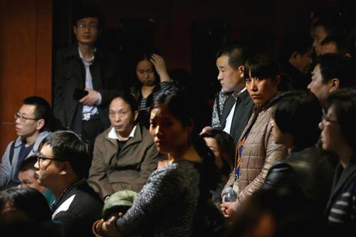 vi sao hanh khach mh370 khong goi dien cau cuu? - 2