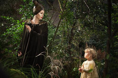 angelina jolie quyen ru me hon trong maleficent - 6
