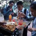 Tin tức - Quà vặt cổng trường: Biết bẩn vẫn ăn