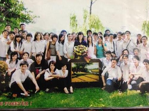 huong giang idol ban nude tren bia sach - 4