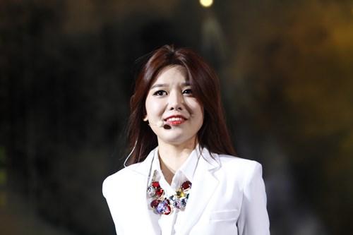 """snsd """"lam mua lam gio"""" san khau hec korea festival - 8"""